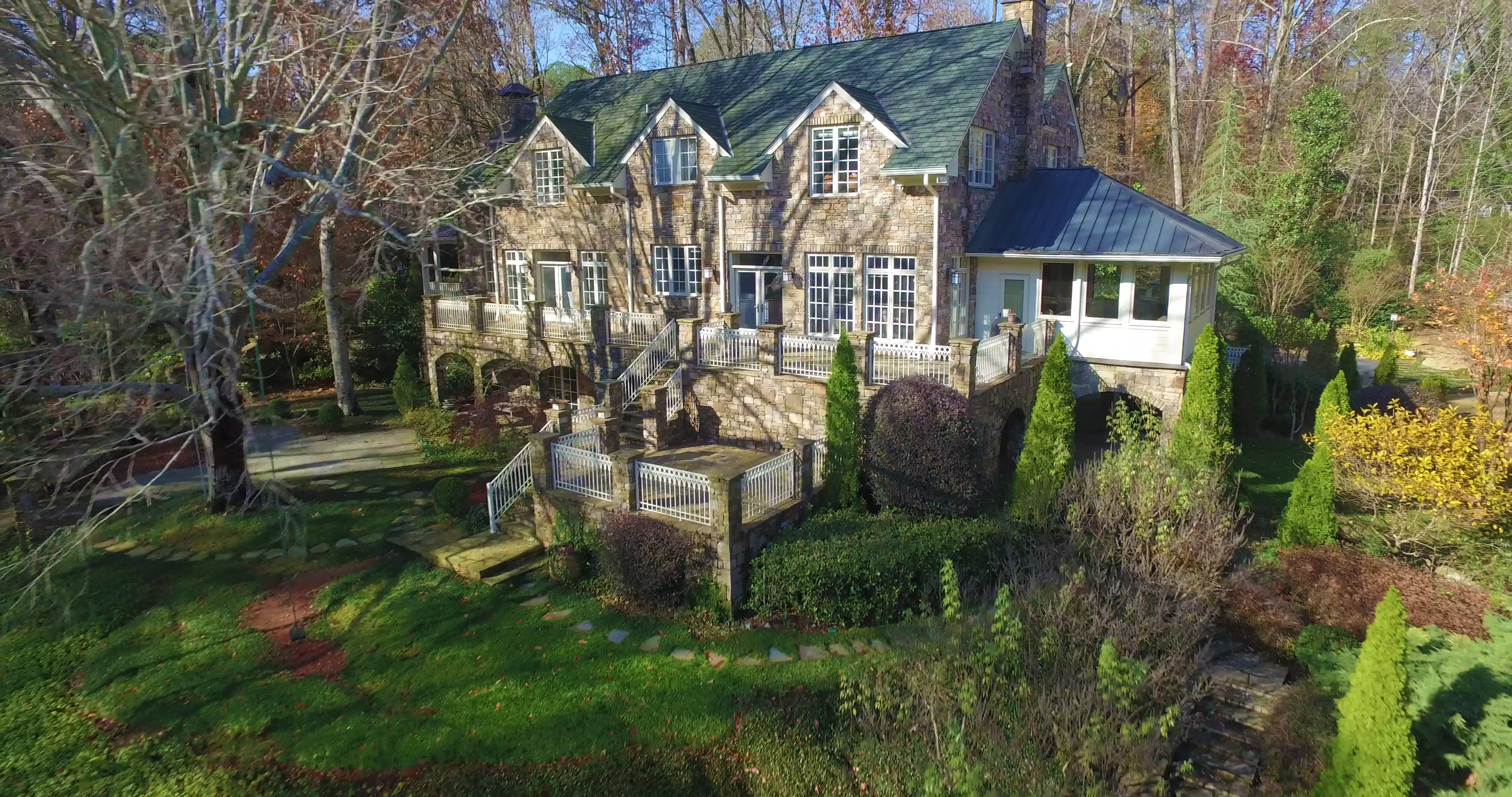 3680 Rembrant RD NW (8)
